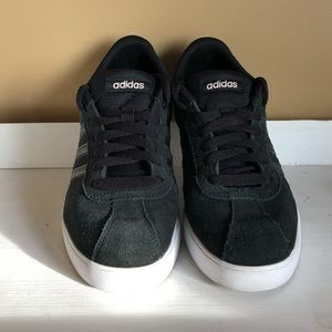 Adidas black suede shoe size woman's 8